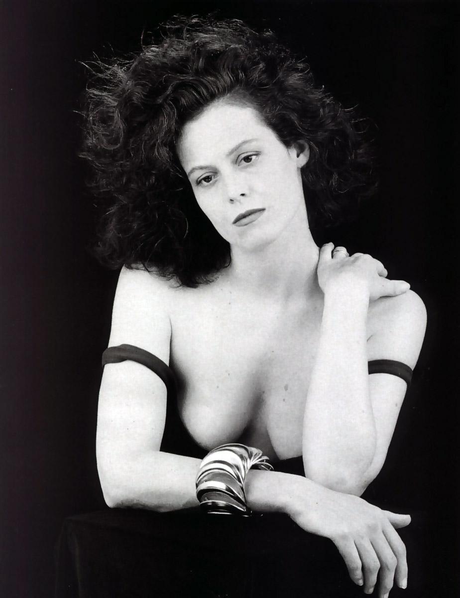 young sigourney weaver nude