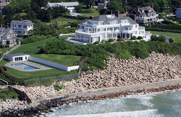taylor swift swiftly drops 18 million on r i mansion. Black Bedroom Furniture Sets. Home Design Ideas