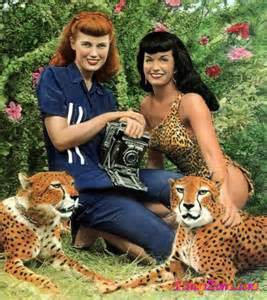 Bunny with Bettie Page and two hot looking cheetahs...um.....ok....if ya count Bettie....three hot looking cheetahs